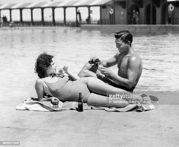 1930s 1940s COUPLE WEARING...