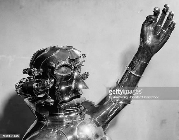 1930s 1940s METAL ROBOT...