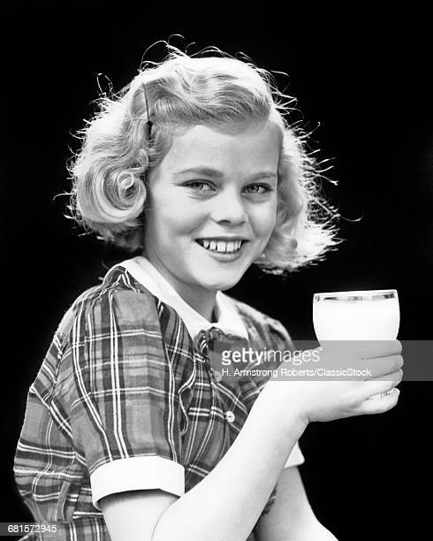 1930s 1940s SMILING BLOND...