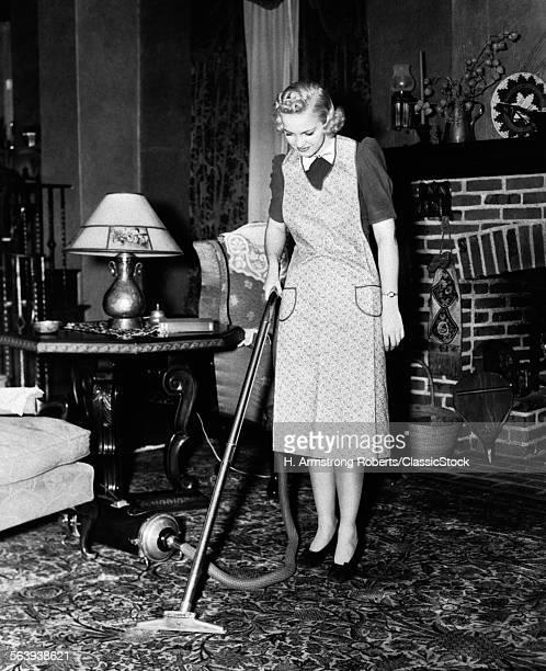 1930s 1940s WOMAN...