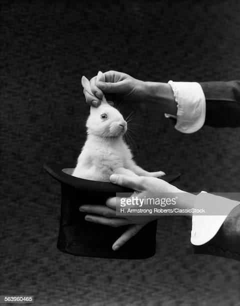 1930s MAGICIAN HANDS...