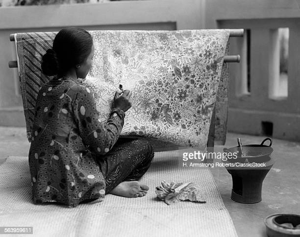 1930s NATIVE WOMAN ARTISAN...