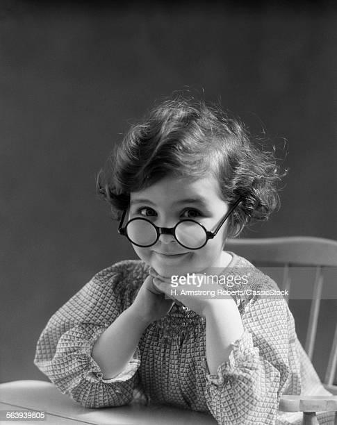 1930s PORTRAIT LITTLE GIRL...