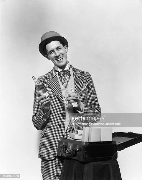 1930s SMILING BARKER IN...