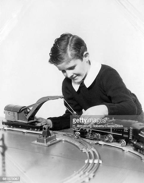 1930s SMILING BOY WEARING...
