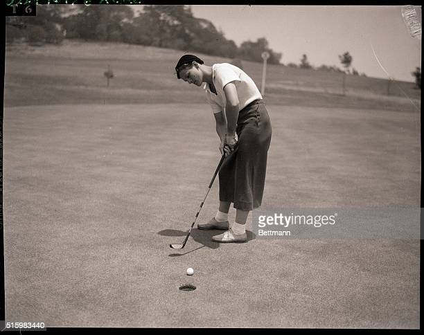 1933Los Angeles CA Babe Didrikson Olympic athlete plays golf in Los Angeles