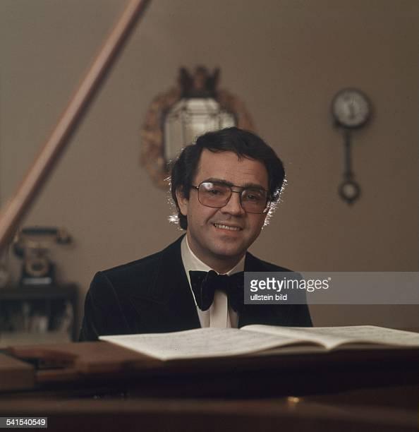 1940Jazzmusiker PianistPorträt am Klavier 1977