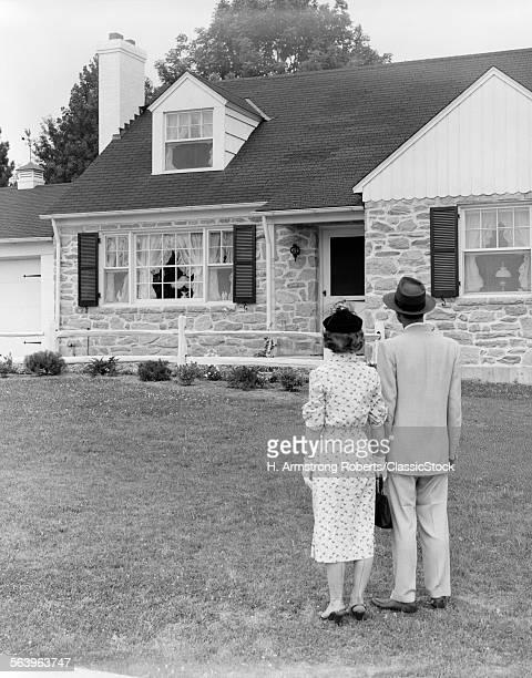 1940s 1950s COUPLE...