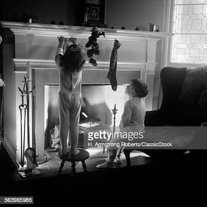 1940s BOY GIRL HANGING...