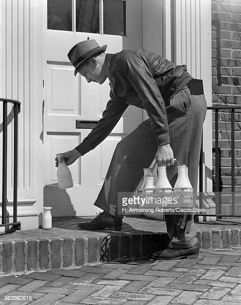 1940s MILKMAN SETTING...