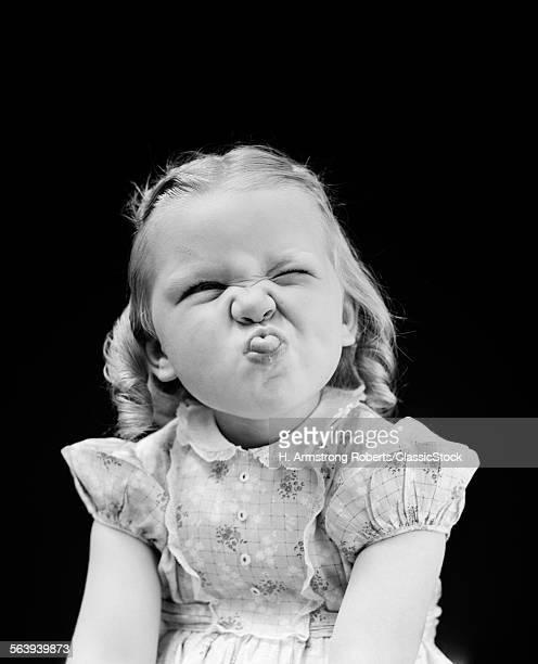1940s PORTRAIT OF GIRL...