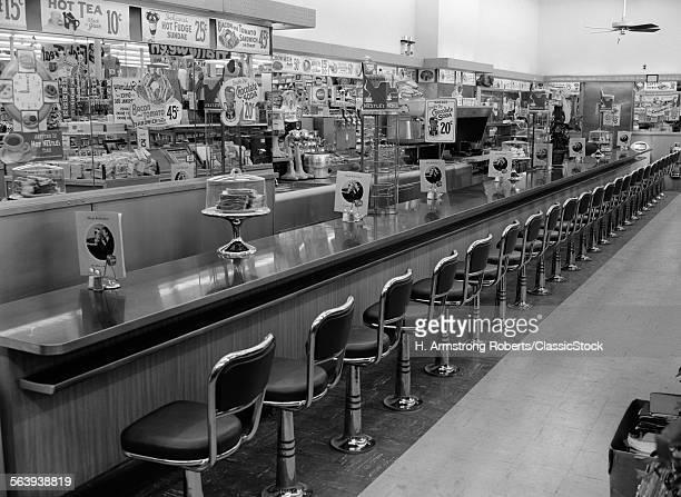 1950s 1960s INTERIOR OF...
