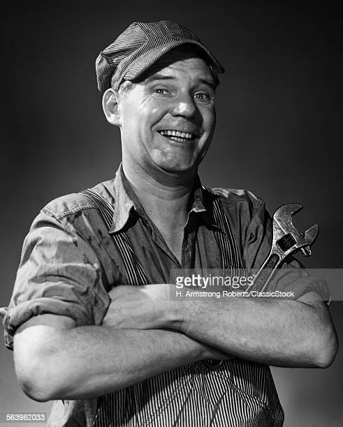 1950s 1960s SMILING...
