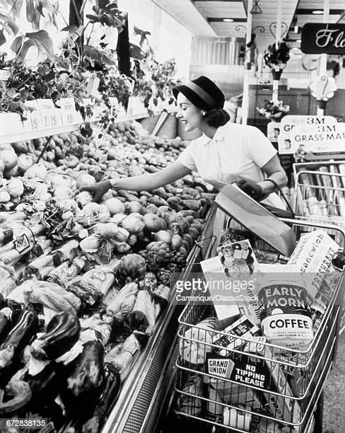 1950s 1960s WOMAN...