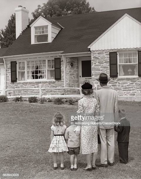 1950s FAMILY OF FIVE WITH...