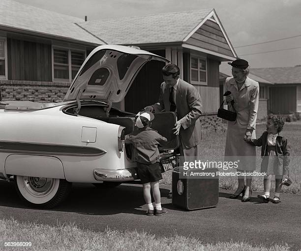 1950s FAMILY PACKING TRUNK...