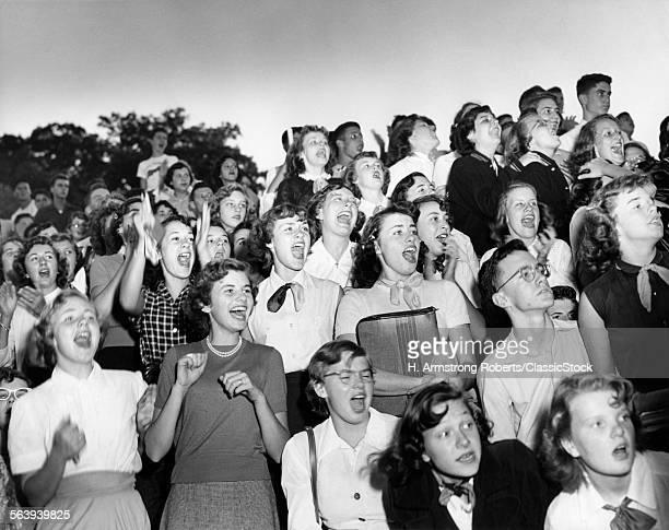 1950s GROUP BOYS GIRLS...