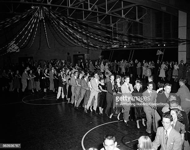 1950s HIGH SCHOOL DANCE...