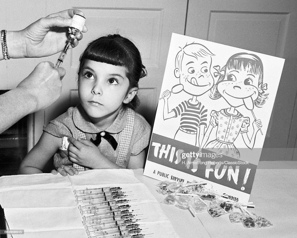 1950s LITTLE GIRL LOOKING...