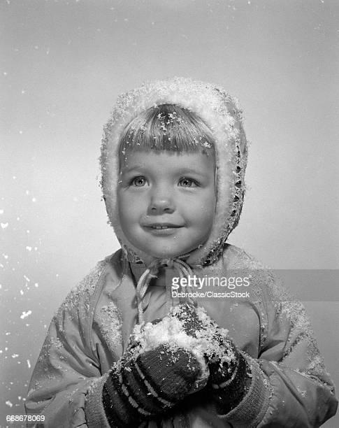 1950s LITTLE GIRL POSING...