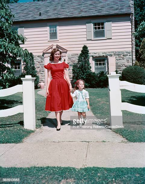 1950s MOTHER AND DAUGHTER...