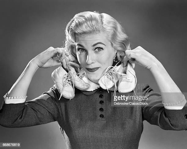 1950s PORTRAIT BLOND WOMAN...