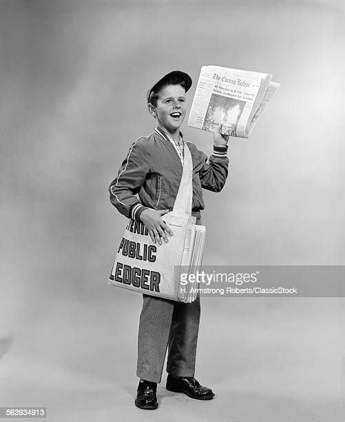 1950s SHOUTING NEWSBOY...