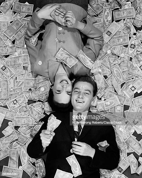 1950s SMILING HUSBAND &...