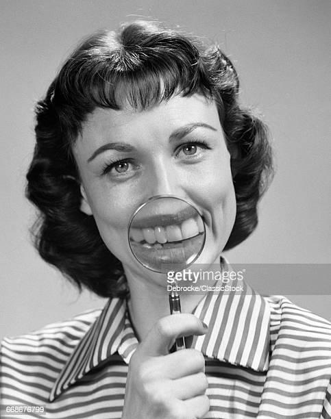 1950s SMILING PORTRAIT...