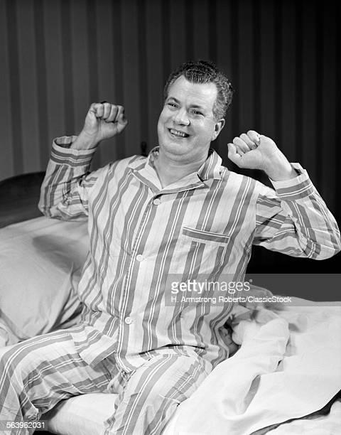 1950s SMILINGIDDLE AGED...