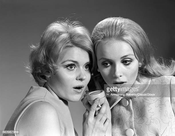 1950s TWO WOMEN...