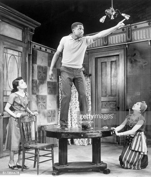 1954Ruby Dee Sidney Poitier and Diana Sands in 'A Rasin in the Sun'