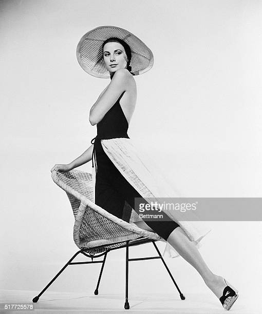 1955Grace Kelly in glamour pose