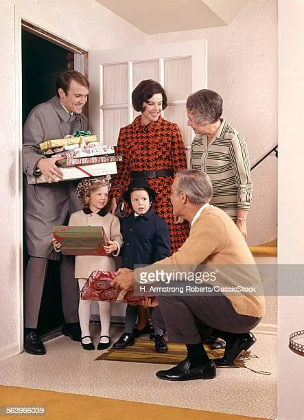 1960s CHRISTMAS FAMILY