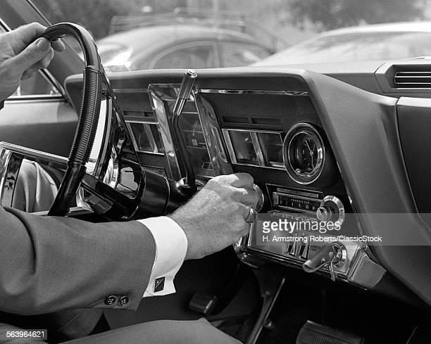 1960s HAND ON CAR RADIO...