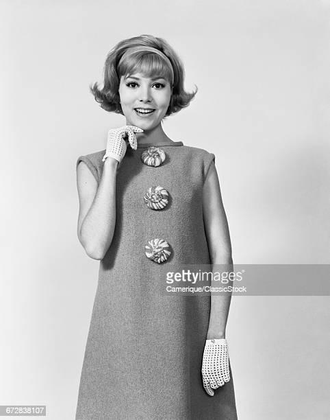 1960s SMILING STYLISH...