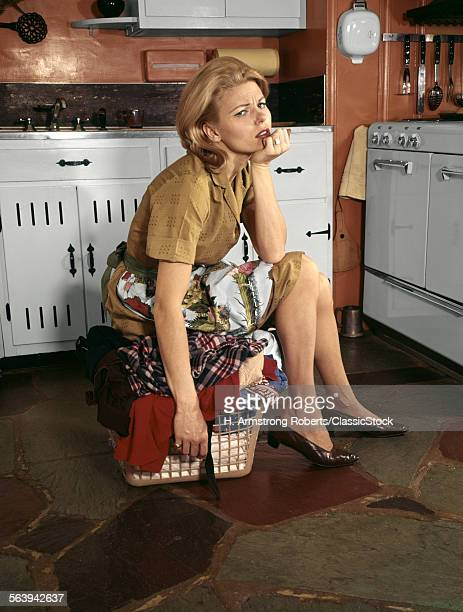 1960s TIRED HOUSEWIFE...