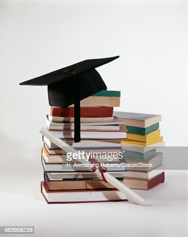 1970s GRADUATION STILL... : Stock Photo