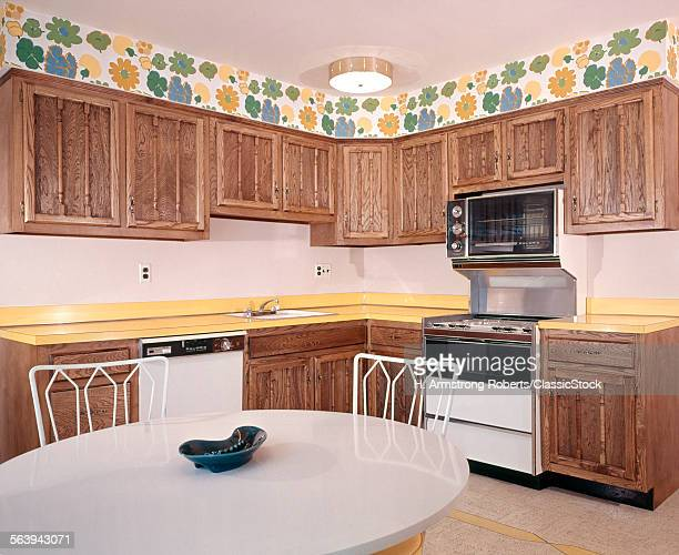 1970s KITCHEN INTERIOR DECOR