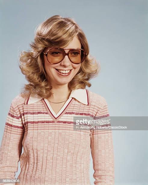 1970s PORTRAIT WOMAN...