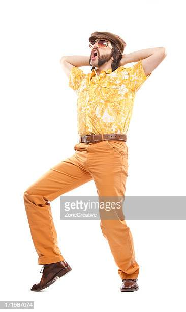 Années 1970 vintage Chemise hawaïenne homme danse disco isolé sur blanc
