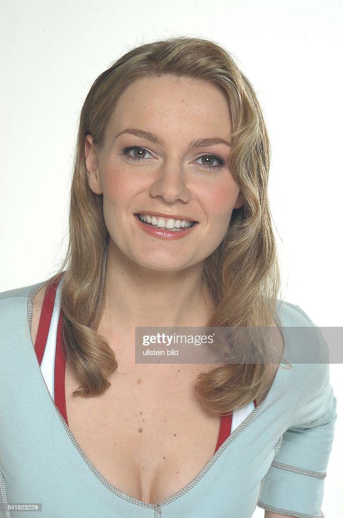 Schauspielerin, Comedian, Hörfunksprecherin; DPorträt