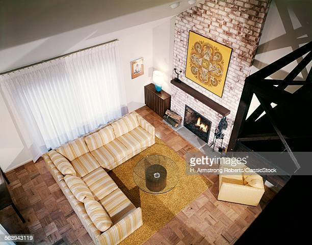 1980s INTERIOR FAMILY ROOM...