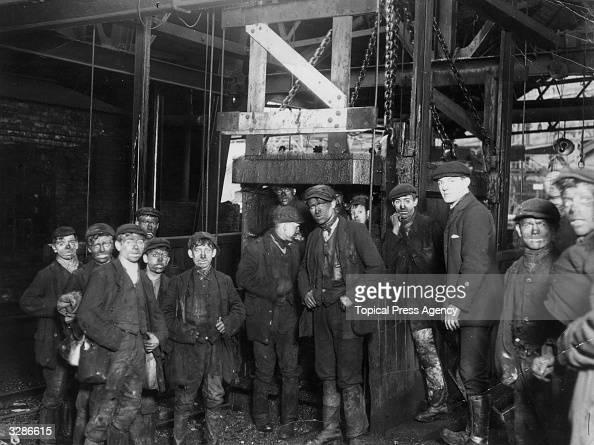 Coal miners descending the Bargoed Mine near Cardiff