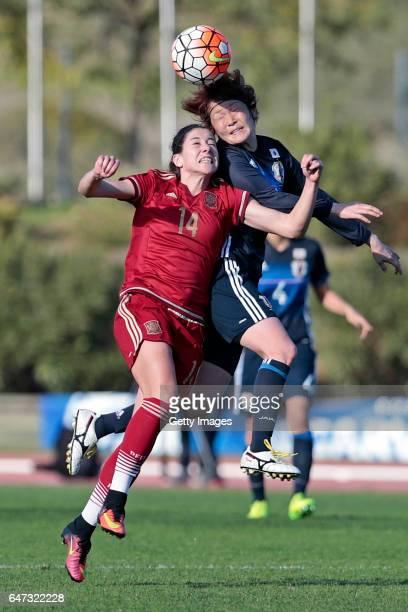 Mizuho Sakaguchi of Japan Women challenges María Victoria Losada Gómez of Spain Women during the match between Japan v Spain Women's Algarve Cup on...