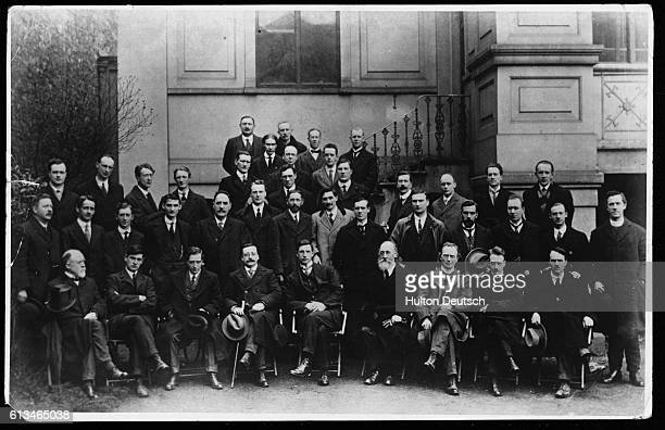 1st row Laurence Ginell Michael Collins Cathal Brugha Arthur Griffiths Eamon de Valera Count Plunkett Eoin MacNeill William Cosgrave Ernest Blythe...