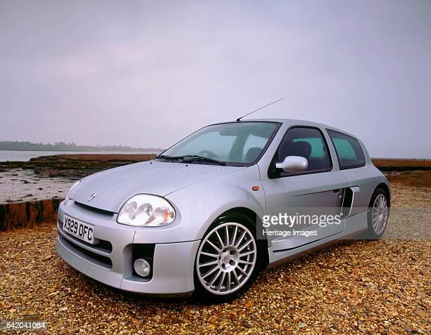 2001Renault Clio Sport V6