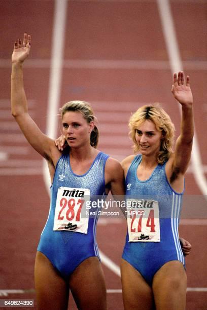 200m womenlrKATRIN KRABBE HEIKE DRECHSLER GERMANY waving