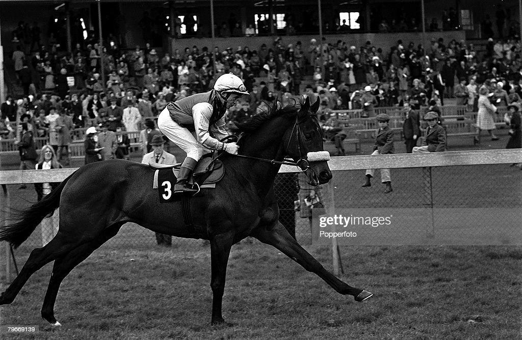 20th, April 1973, Sport, Horse Racing, Frankie Durr on 'Mon Fils' at a Newbury, Berkshire meeting