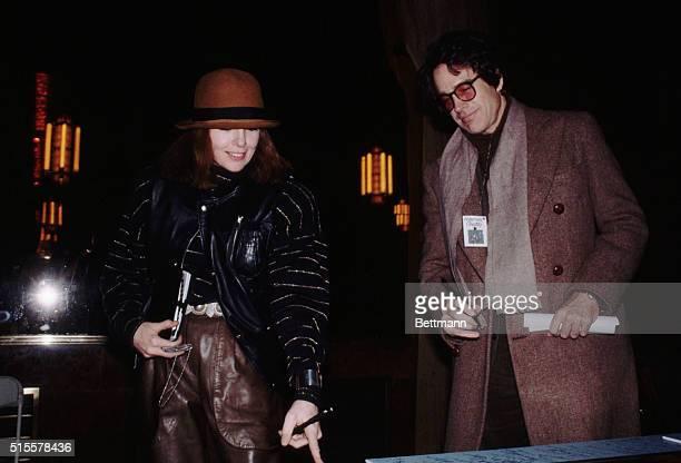 2/14/1982Warren Beatty and Diane Keaton in Night of 100 stars